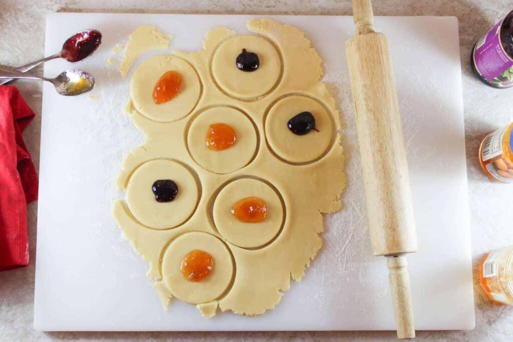 hamentaschen dough with jelly