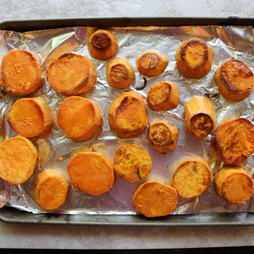 start baking sweet potato rounds